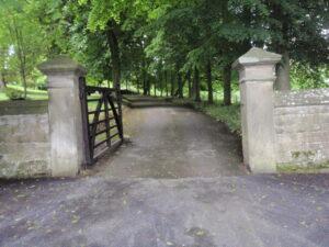 Oddo House gates Winster
